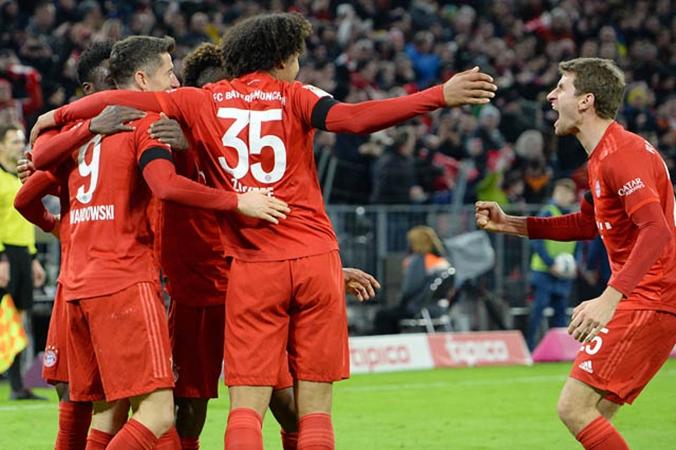 Neuer sai lầm khiến Bayern thủng lưới - Bóng Đá