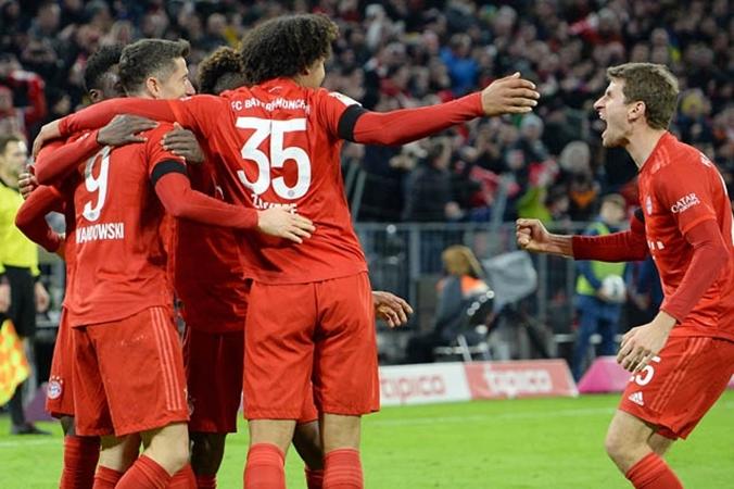 Tạm quên Lewandowski, Bayern thắng trận vì đã tung một