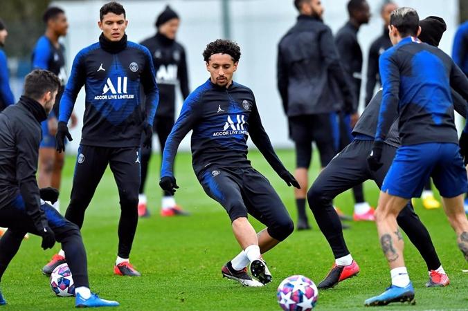 Neymar trains with PSG teammates as Kylian Mbappe struggles with sore throat - Bóng Đá