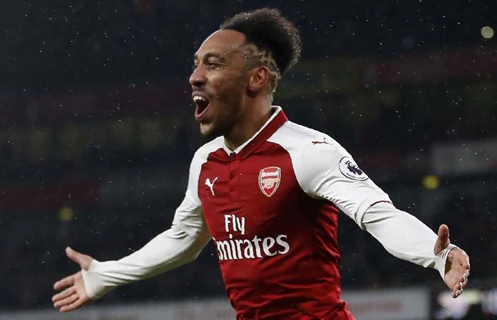 Arsenal set to sell Aubameyang and Lacazette as Arteta closes in on £25m striker - Bóng Đá