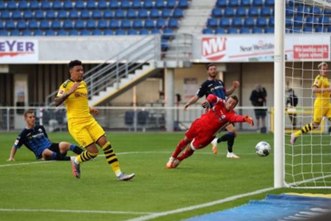 Jadon Sancho makes Bundesliga history and breaks record held by Kai Havertz - Bóng Đá