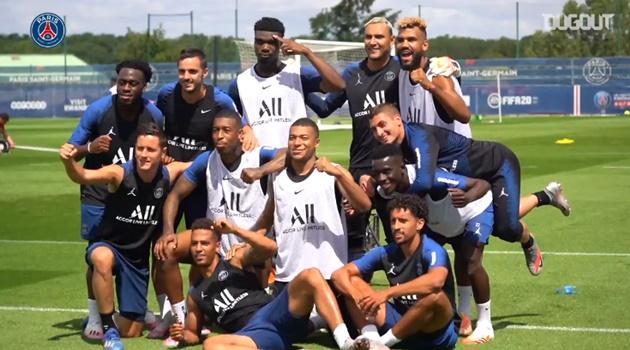 Trở lại tập luyện, Neymar và Mbappe