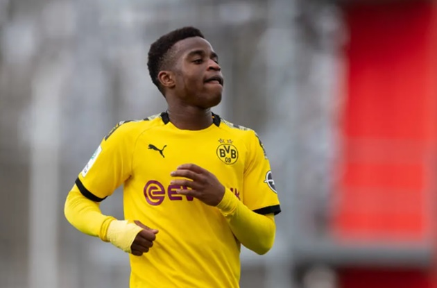 Borussia Dortmund are planning with youth star Youssoufa Moukoko - Bóng Đá