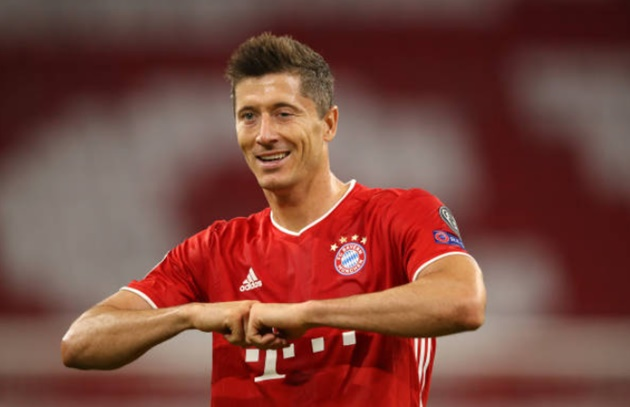 Robert Lewandowski is only the fourth player to score in 7+ consecutive Champions League appearances - Bóng Đá