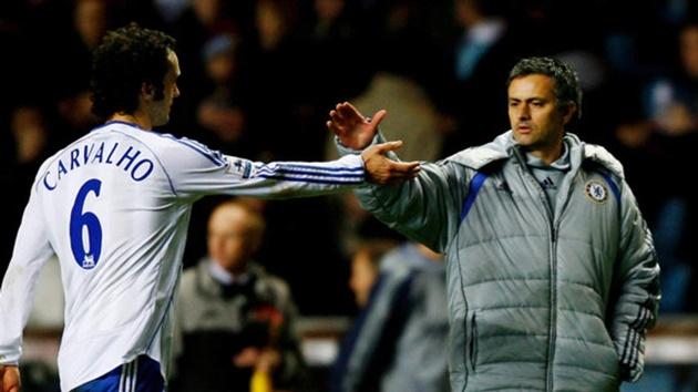James tái hợp Ancelotti và những thương vụ