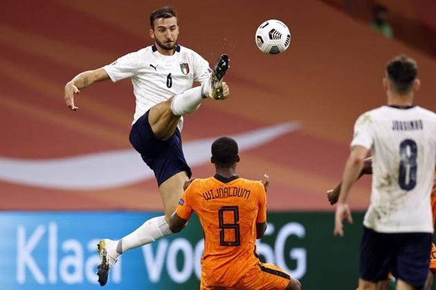 Bài ảnh bàn mở tỉ số của Ý trước Hà Lan - Bóng Đá