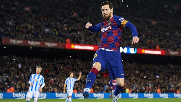 Lionel Messi breaks billion-dollar barrier to beat Cristiano Ronaldo on football rich list - Bóng Đá