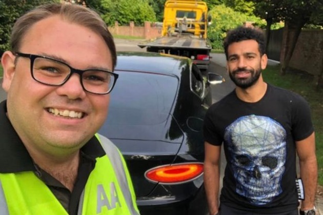 Liverpool star Mohamed Salah rescued by AA after suffering puncture in £160k Bentley - Bóng Đá
