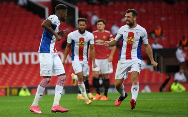 Trong 1 đêm, Man Utd nhận 3 nỗi buồn