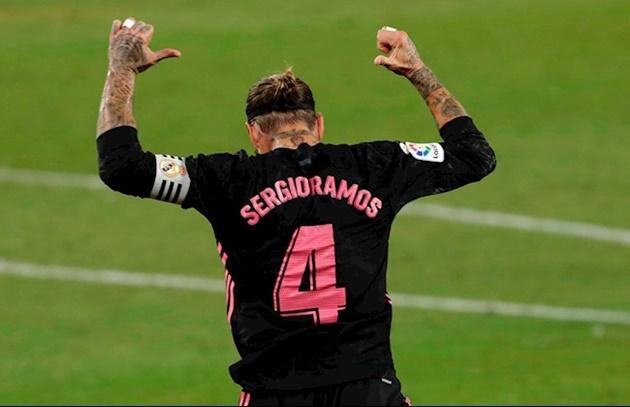 Trong phút chốc, Ramos từ
