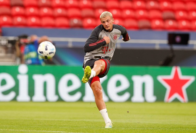 Leeds United are in advanced talks to sign Mickaël Cuisance on a permanent deal from Bayern - Bóng Đá