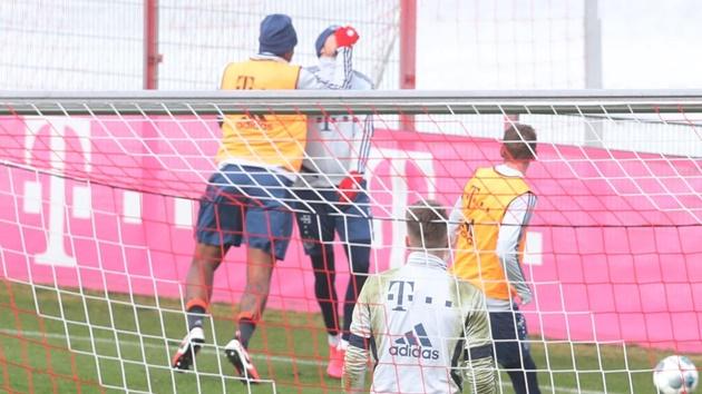 Lewandowski ẩu đả với Cuisance - Bóng Đá