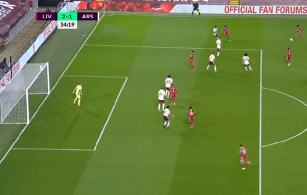 Thánh tạt Arnold vs Arsenal - Bóng Đá