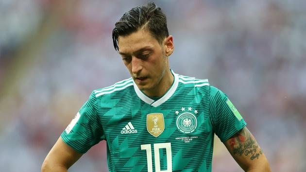 DFB general secretary finally admits they made mistakes with Mesut Özil - Bóng Đá