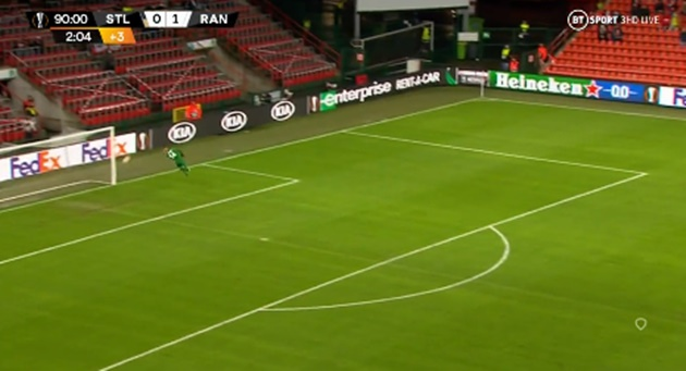 The Europa League record held by Rangers' Kemar Roofe after Standard Liege stunner - Bóng Đá