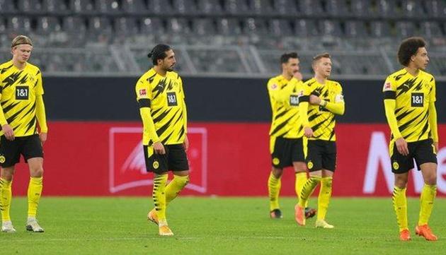 Một Borussia Dortmund hừng hực khí thế vừa có cuộc tiếp đón Cologne trên sân nhà. Tuy nhiên, Die Borussen tiếp tục thể hiện căn bệnh khó hiểu của mình.