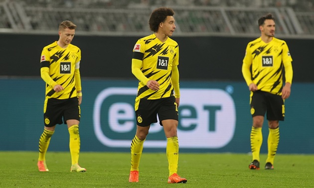 Khi Dortmund được kỳ vọng, họ thường xuyên thi đấu bạc nhược. Chính vì thế nên thầy trò Lucien Favre vừa nhận thất bại 1-2 ở ngay thánh địa của mình.