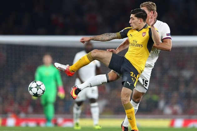 bellerin-arsenal-man-city-1