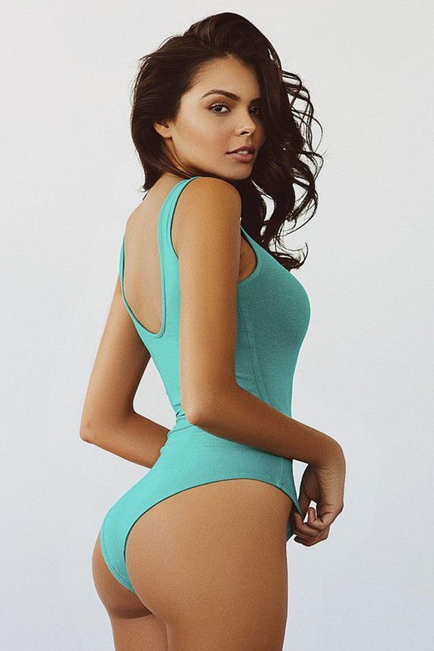 Janira Ring Girl
