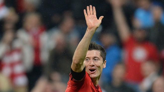 Bayern xuống nước, Lewandowski vẫn ngó lơ?