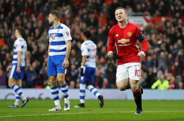 Rooney san bằng kỉ lục của huyền thoại, Mourinho nói gì? - Bóng Đá
