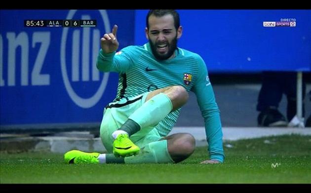 CHÍNH THỨC: Vidal nghỉ hết mùa vì gãy cổ chân - Bóng Đá