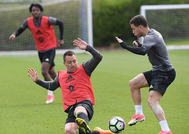 Đụng Tottenham, Conte trao cơ hội cho Terry - Bóng Đá