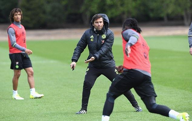 Dùng đội hình 2 đấu Arsenal, Mourinho được Conte