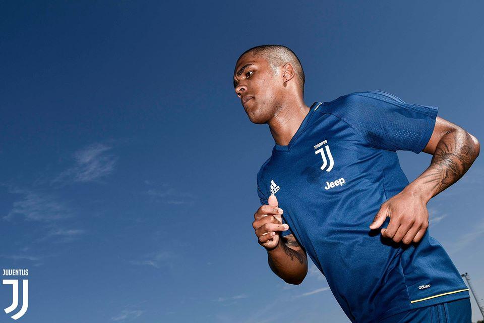 Buổi tập đầu tiên của Douglas Costa tại Juventus - Bóng Đá