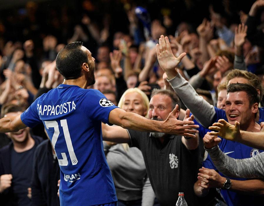 Chỉ vừa ra mắt, Zappacosta đã thành thần tượng mới tại Chelsea - Bóng Đá