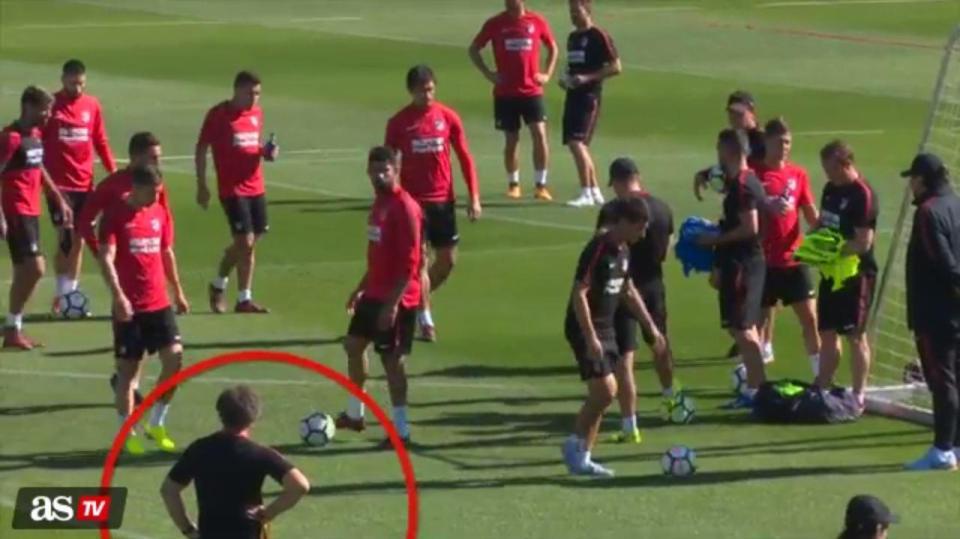 Thoát khỏi Chelsea, Diego Costa lại gây sự tại Atletico - Bóng Đá