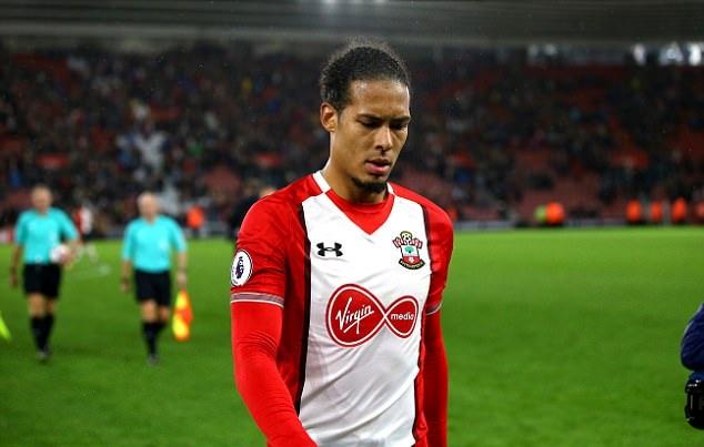 Đồng đội XÁC NHẬN Van Dijk muốn rời Southampton - Bóng Đá
