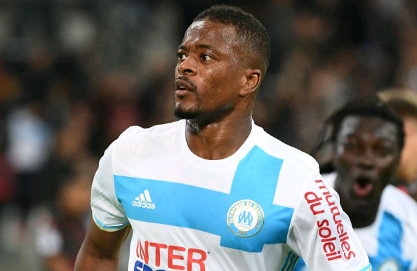 Bị Marseille hắt hủi, Evra vẫn đắt hàng - Bóng Đá