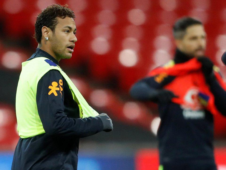 Cầu thủ duy nhất đáng giá 200 triệu bảng là Neymar - Bóng Đá