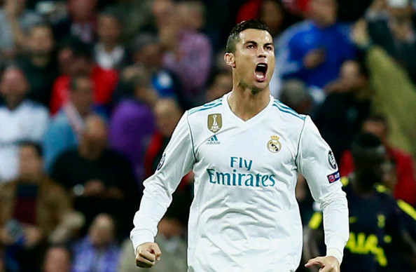 Vừa giành bóng vàng, Ronaldo chốt ngay tương lai - Bóng Đá
