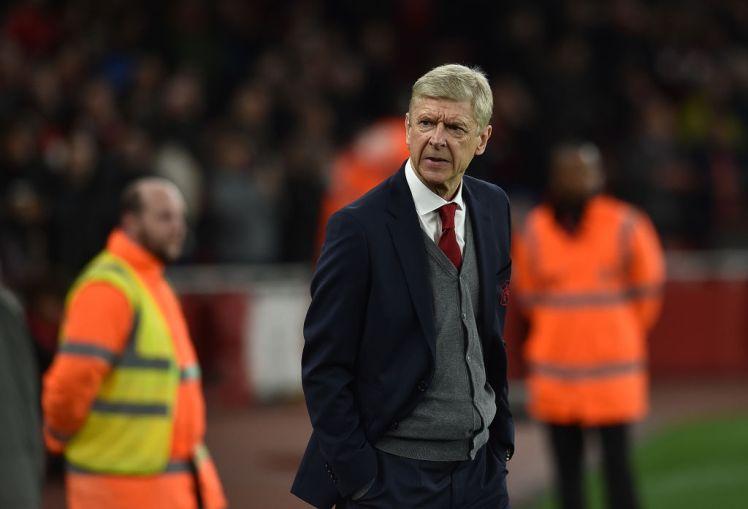 TIẾT LỘ: HLV Wenger nói gì với học trò trong giờ nghỉ? - Bóng Đá