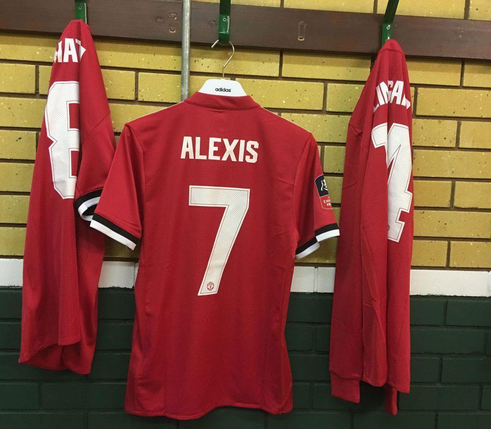 Mourinho muốn Sanchez kèm cặp Rashford - Bóng Đá