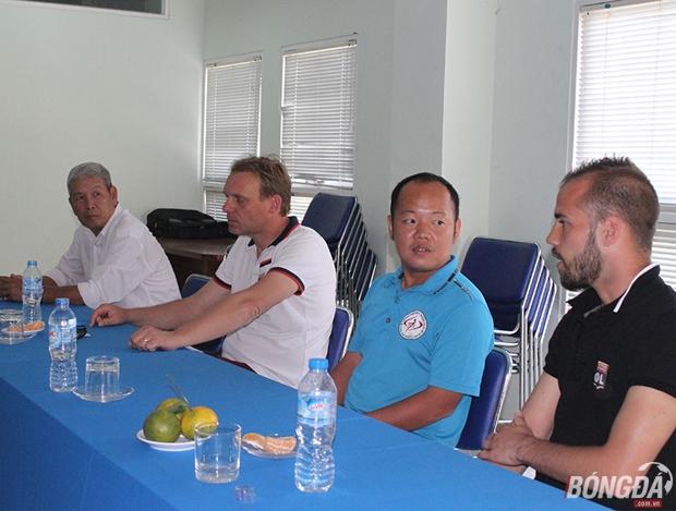 Liên đoàn bóng đá TP.HCM và Lyon phối hợp tìm kiếm tài năng trẻ cho bóng đá TP.HCM. Ảnh: Đình Viên.