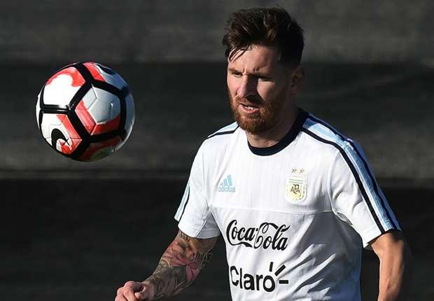 Diego Maradona nhận xét Lionel Messi là thiếu phẩm chất thủ lĩnh. Ảnh: Internet.