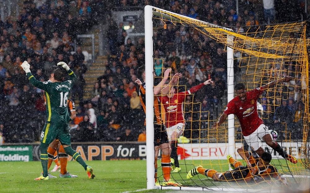 Rashford Lóe Sáng, Manchester United Thắng Hull Trong Trận