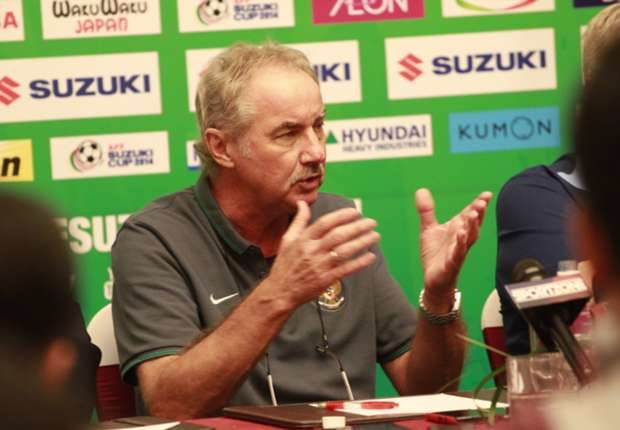 Alfred-Riedl-Indonesia-1