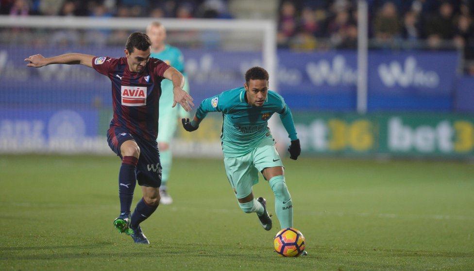 Neymar đã bắt kịp Ronaldinho