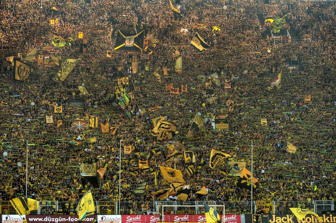 """Dortmund: Khi """"Bức tường vàng"""" sụp đổ"""