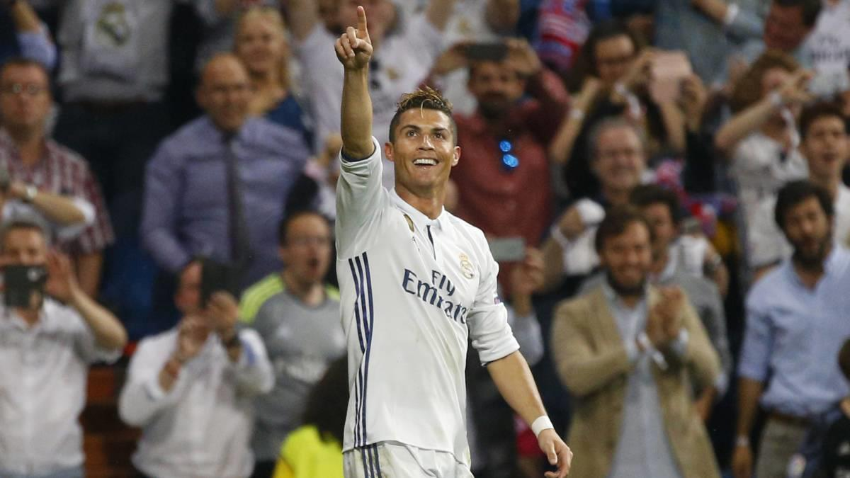 Bàn thắng này của Ronaldo đã nhận được 45% số phiếu, nhiều hơn 2% so với bàn thắng của cầu thủ người Brazil Dani Alves thực hiện trong trận lượt về giữa ...