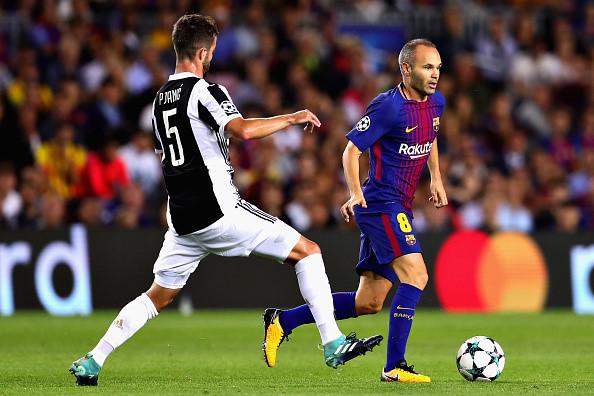 Messi xuất sắc, nhưng vinh quang thuộc về Iniesta
