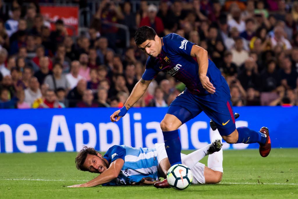 Suarez khởi đầu tệ nhất kể từ khi đến Barca