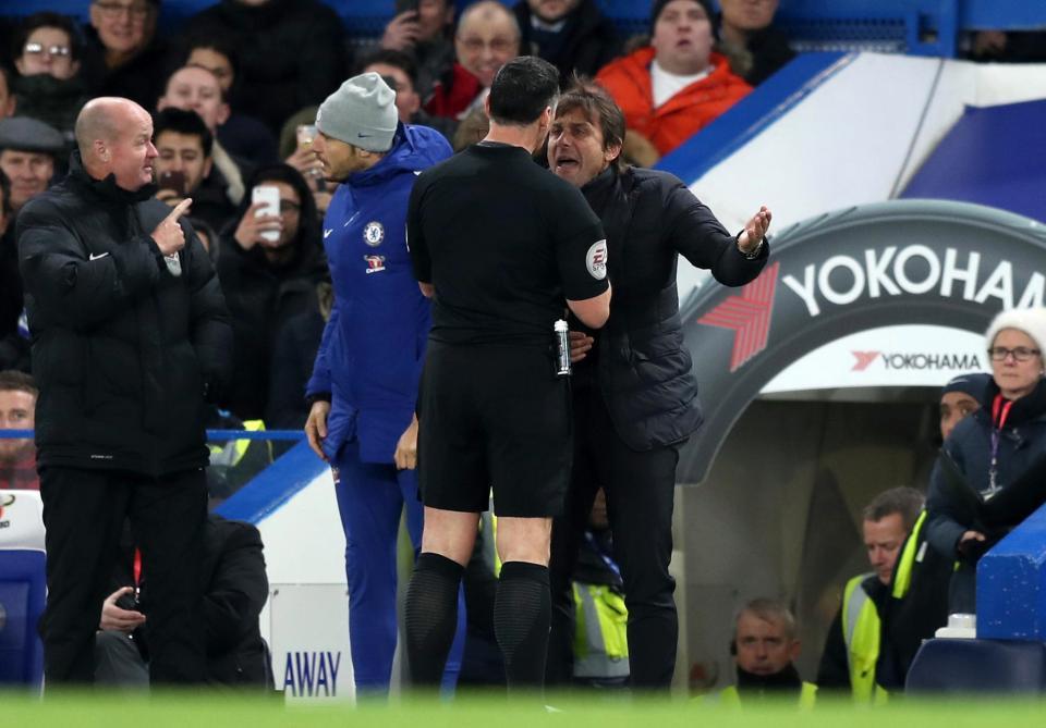 HLV Chelsea từng bị vợ đấm sưng mắt vì không mua quà sinh nhật