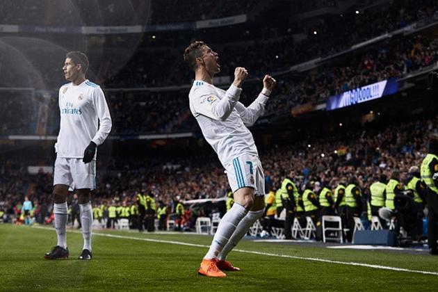 Ronaldo ăn mừng