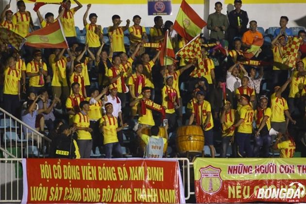 TRỰC TIẾP Hoàng Anh Gia Lai vs Nam Định: Công Phượng dự bị, Minh Nhựt bắt chính - Bóng Đá