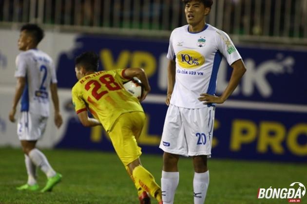 TRỰC TIẾP Hoàng Anh Gia Lai 3-2 Nam Định (Hết giờ): Chủ nhà có thắng lợi đầu tay - Bóng Đá